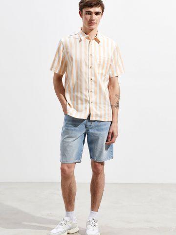 ג'ינס קצר בשטיפה בהירה BDG