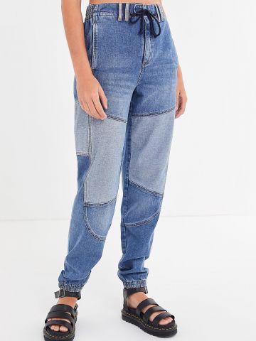 ג'ינס גבוה בשטיפה כהה עם פאצ'ים בהירים BDG