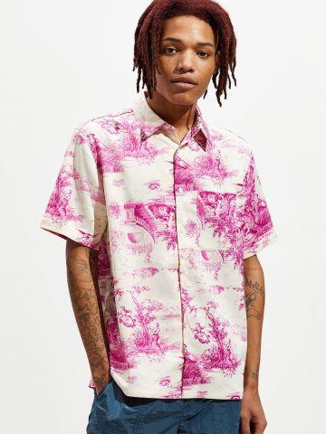 חולצה מכופתרת בהדפס ציורי נוף UO
