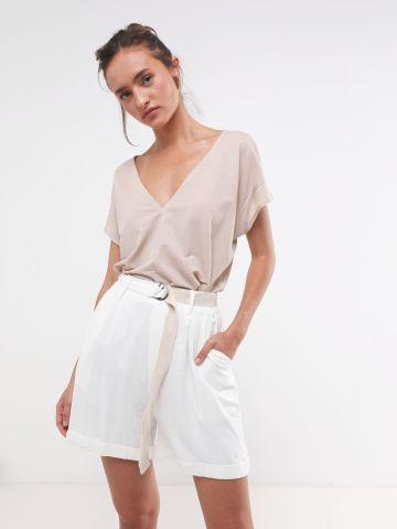מכנסיים קצרים עם חגורת קנבס בשילוב אבזם