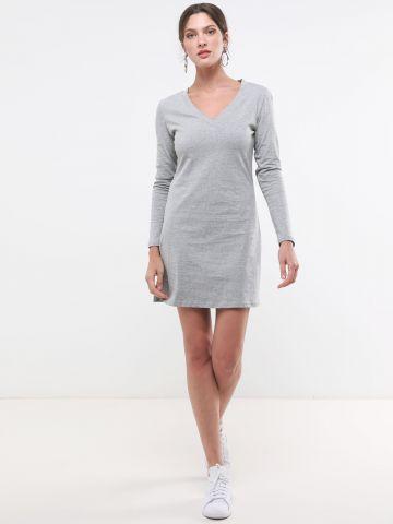 שמלת טי שירט מיני עם שסע