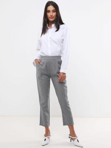 מכנסיים מחויטים בהדפס פסים