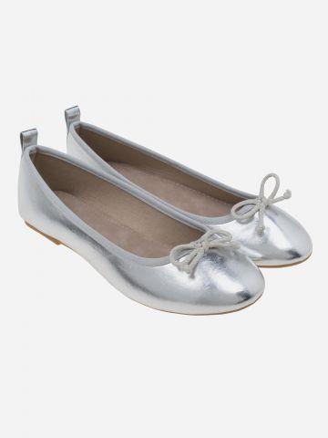 נעלי בובה מטאליות עם פפיון / בנות