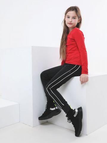 מכנסי טראק פליז עם סטריפים