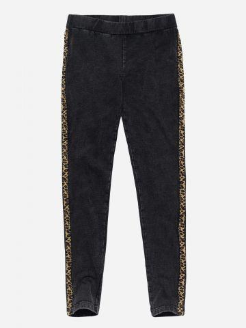 מכנסיים דמוי ג'ינס עם סטריפים / בנות