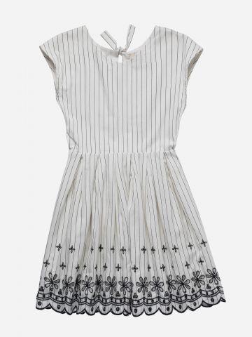 שמלת מיני בהדפס פסים עם רקמה / בנות