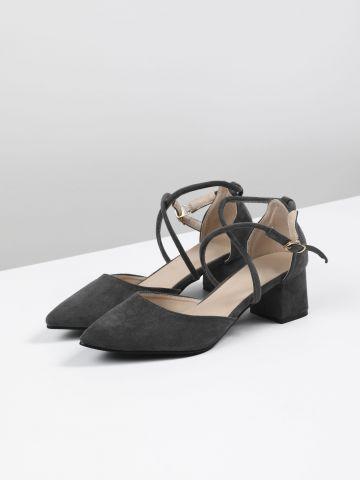 נעלי עקב דמוי זמש עם סיומת מחודדת
