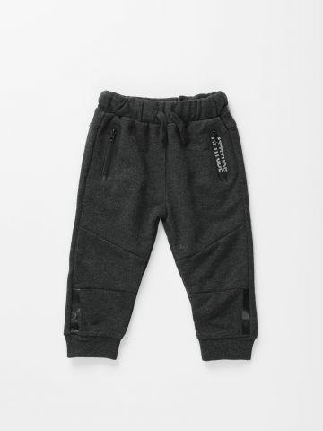 מכנסי טרנינג ארוכים עם כיסים מודגשים / 3M-3Y