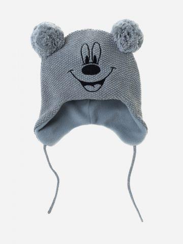 כובע סרוג עם פונפונים / בייבי
