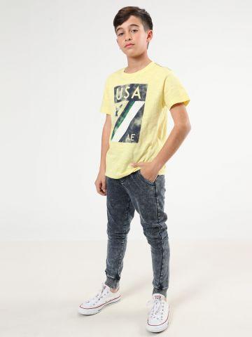 מכנסי טרנינג דמוי ג'ינס עם ווש