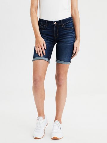 ג'ינס ברמודה עם שפשופים