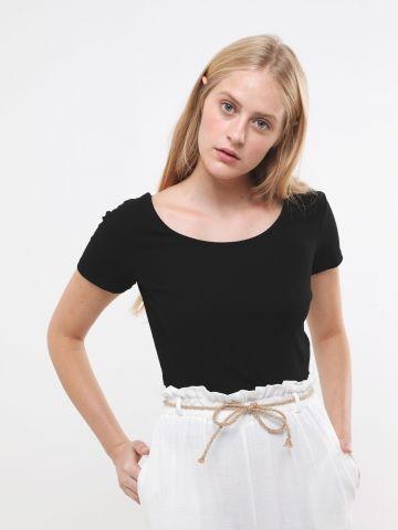 חולצת ריב עם מפתח עגול
