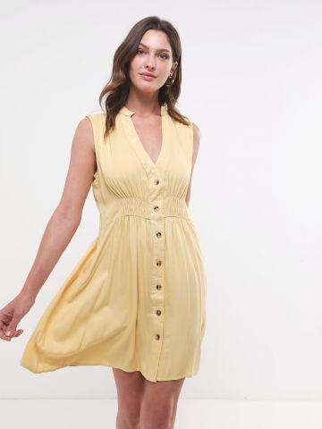 שמלת מיני עם כפתורים וגומי במותן