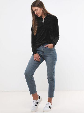 ג'ינס גבוה בגזרה ישרה