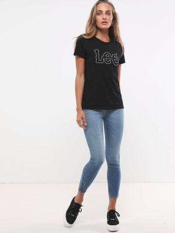 ג'ינס סקיני עם רוכסנים בסיומת