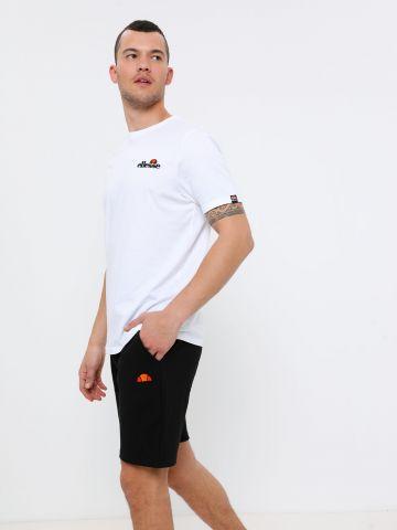 מכנסי טרנינג קצרים עם פאץ' לוגו