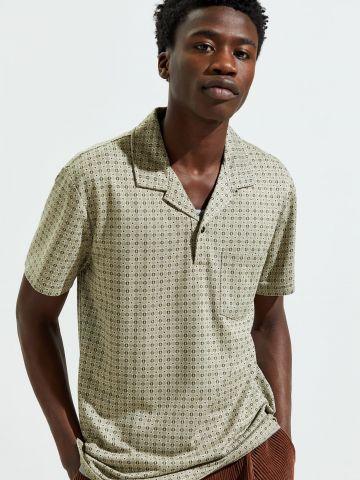 חולצת פולו בהדפס משבצות UO