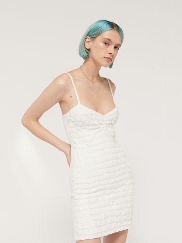 שמלת מיני בטקסטורת קרפ UO