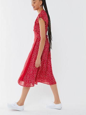 שמלת מעטפת מידי בהדפס לבבות UO