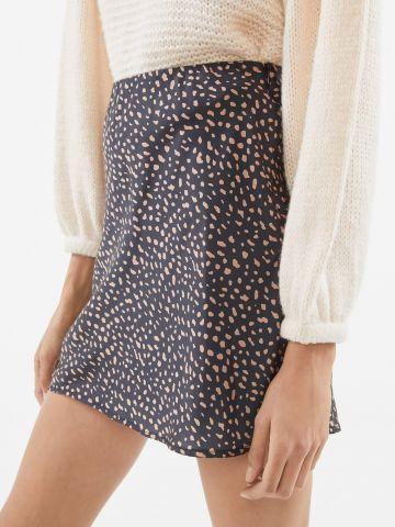 חצאית סאטן מיני בהדפס חברבורות UO
