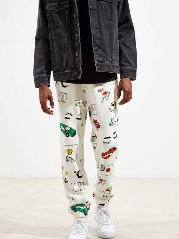 מכנסי טרנינג עם הדפס איורים צבעוני UO