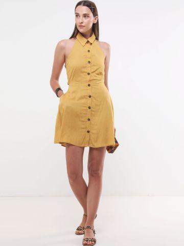 שמלת מיני עם כפתורים וקשירה בגב