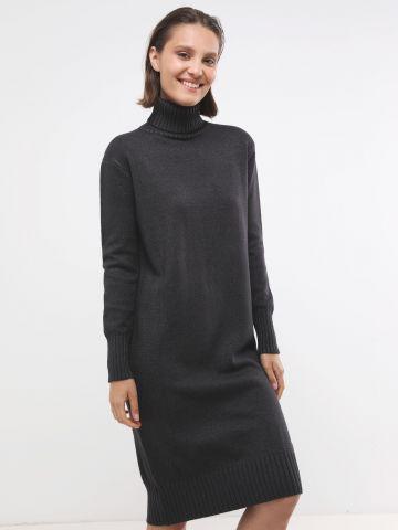 שמלת מידי סוודר עם צווארון גולף