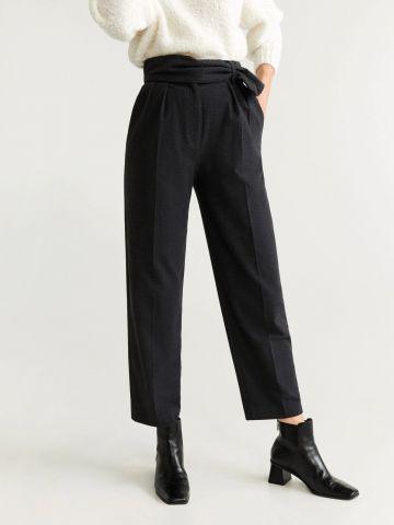מכנסיים מחויטים עם חגורה דקורטיבית