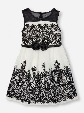 שמלה בהדפס אתני עם חגורה בעיטור פרחים / בנות