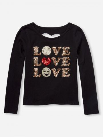 חולצת Love עם עיטורי פאייטים ופתח לב בגב / בנות