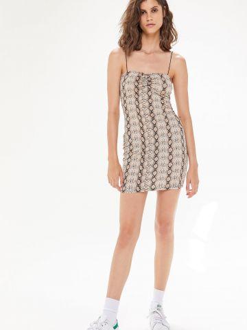 שמלת מיני בהדפס נחש UO
