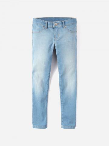 ג'ינס סקיני בשטיפה בהירה עם הבהרות / בנות