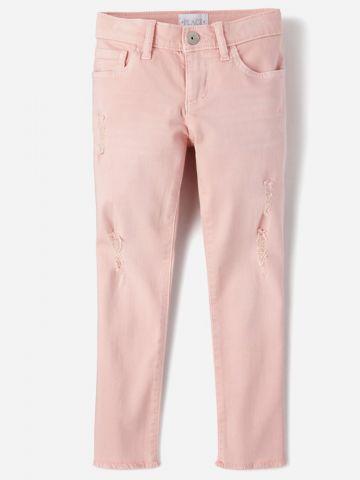 ג'ינס עם קרעים וסיומת פרומה / בנות