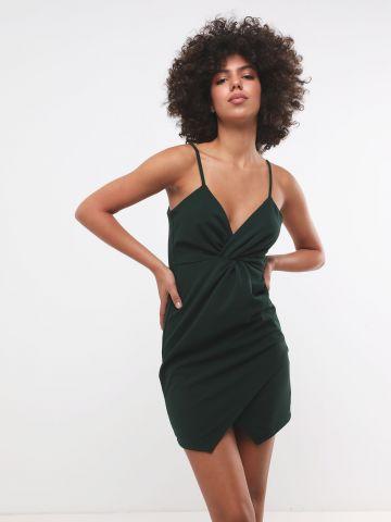 שמלת מיני וי עם טוויסט בחזית X שושיין