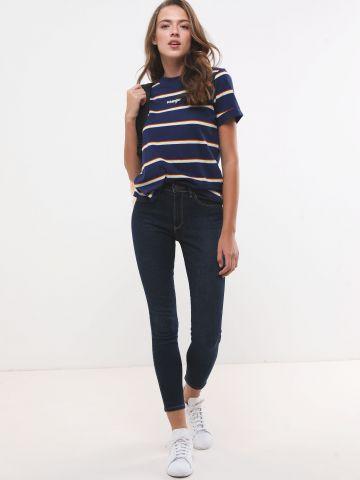 ג'ינס סקיני גבוה בשטיפה כהה