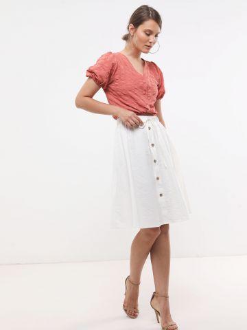 חצאית מידי עם כפתורים דקורטיבים