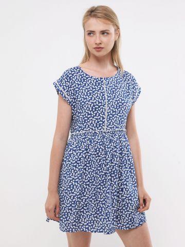 שמלת מיני בהדפס פרחים עם עיטורי רקמה