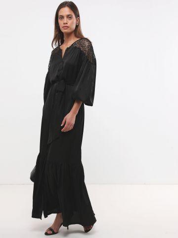 שמלת מקסי סאטן עם רשת בכתפיים