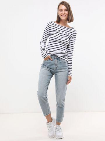 ג'ינס Mom בשטיפה בהירה