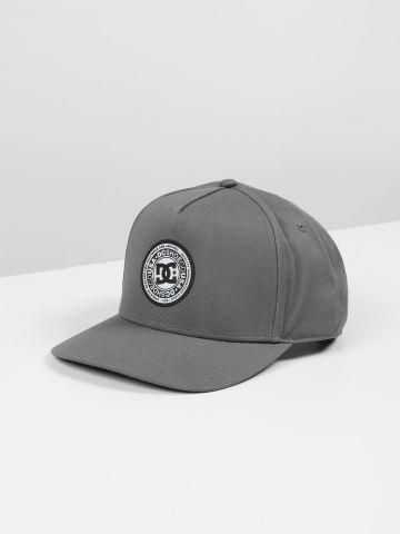 כובע מצחייה עם תבליט לוגו DC / גברים