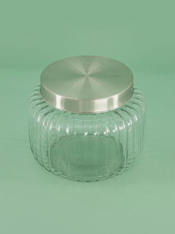 צנצנת זכוכית עם מכסה