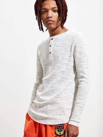 חולצת וופל מלאנז' עם כפתורים UO