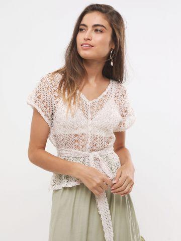 חולצת מקרמה רשת עם קשירה