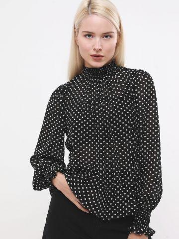 חולצת שיפון בהדפס נקודות עם צווארון מלמלה