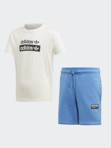 סט טי שירט ומכנסיים קצרים עם לוגו / בנים