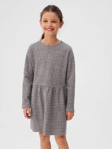 שמלה בהדפס משבצות עם שרוולים ארוכים