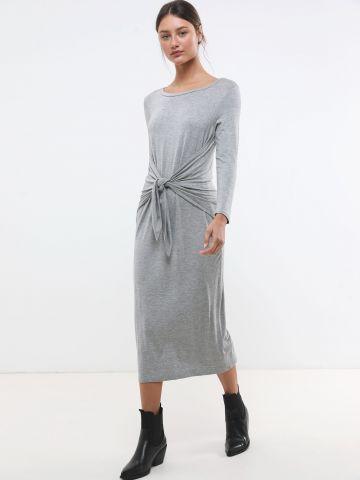 שמלת מקסי שרוולים ארוכים עם קשירה במותן