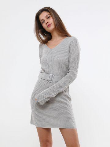 שמלת מיני סרוגה עם חגורה