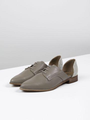 נעלי אוקספורד מעור עם פתחים בצדדים / נשים