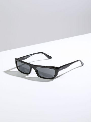 משקפי שמש צרים עם מסגרת פלסטיק Gigi Hadid X